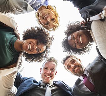 Portrait de groupe des consultants et formateurs